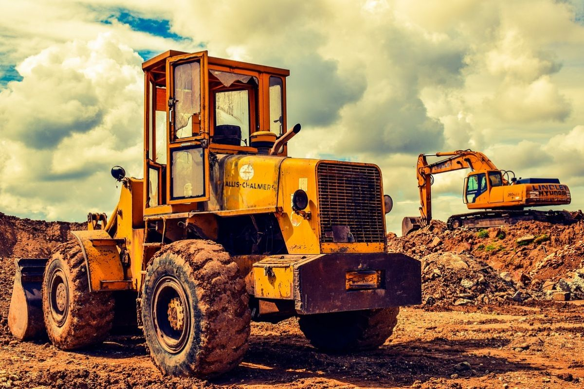 How a CPA Can Help You Make Your Next Major Equipment Purchase